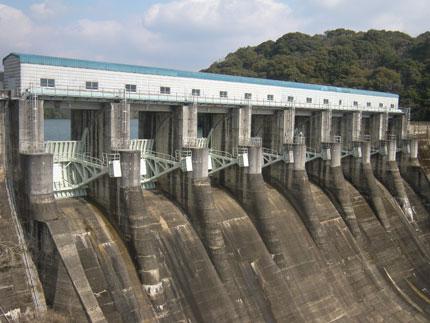厚東川ダム 放流設備塗装工事