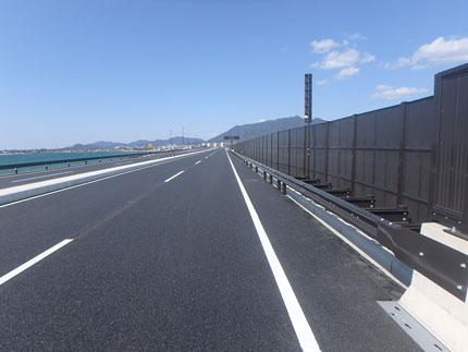 下関北バイパス富任地区安全施設設置工事(防護柵・ガードレール等) 完成